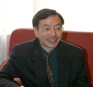 新加坡国立大学校长-专题报道